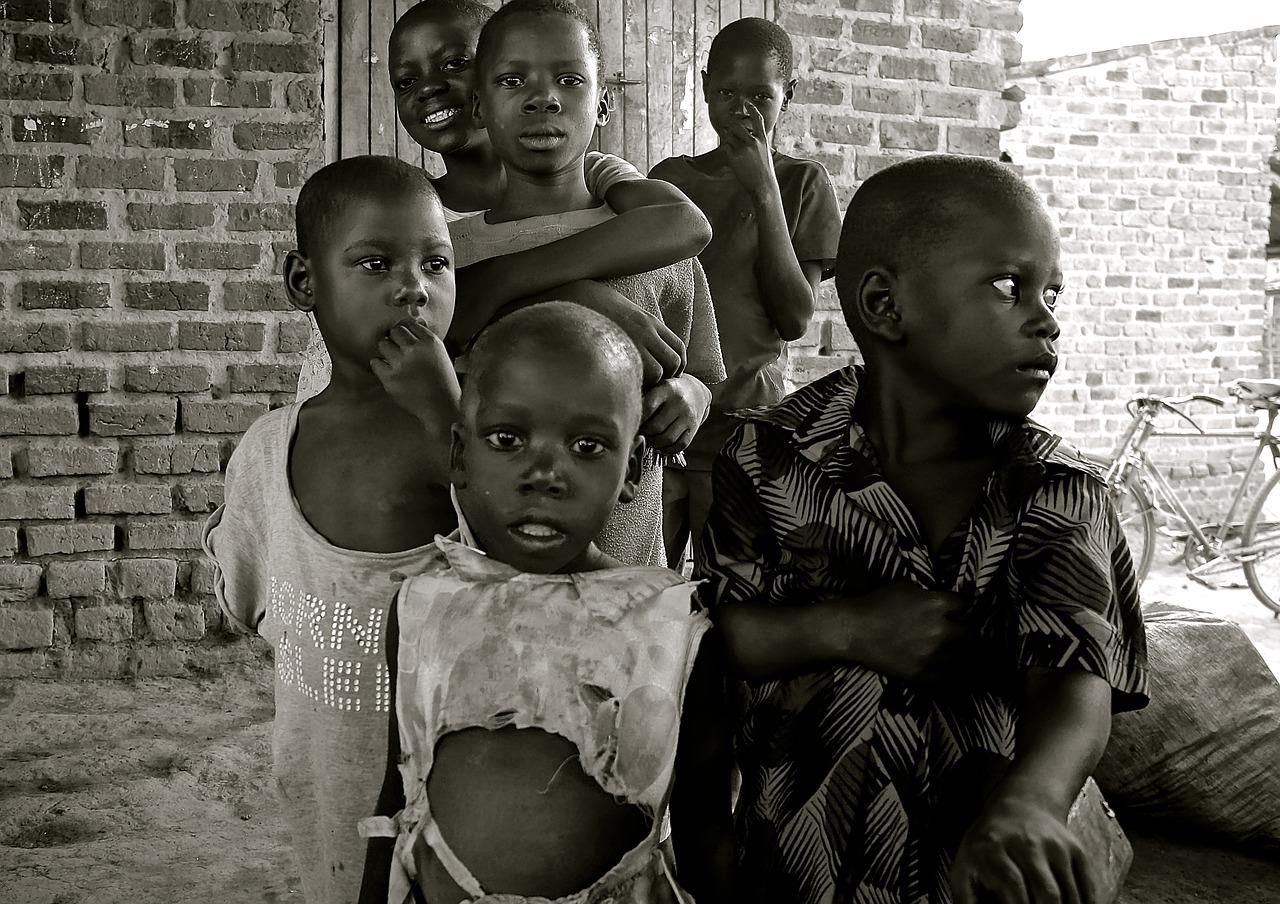 貧困問題:支援物資を送るのは本当に良いことなのか?